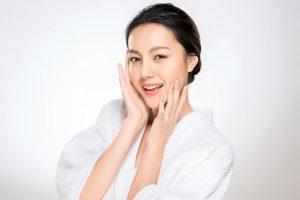Alasan Kenapa Kamu Harus Rutin Menggunakan Skincare