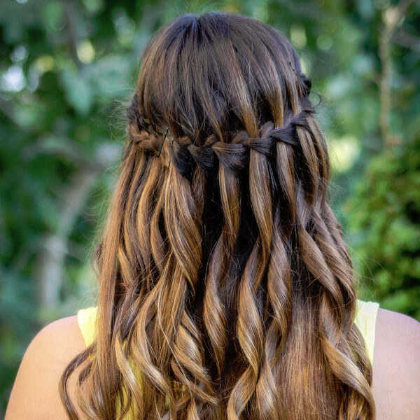 gaya rambut waterfall braid